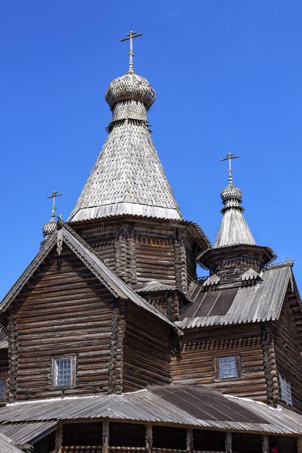 木教会,特写镜头的圆顶,反对天空蔚蓝 库存图片