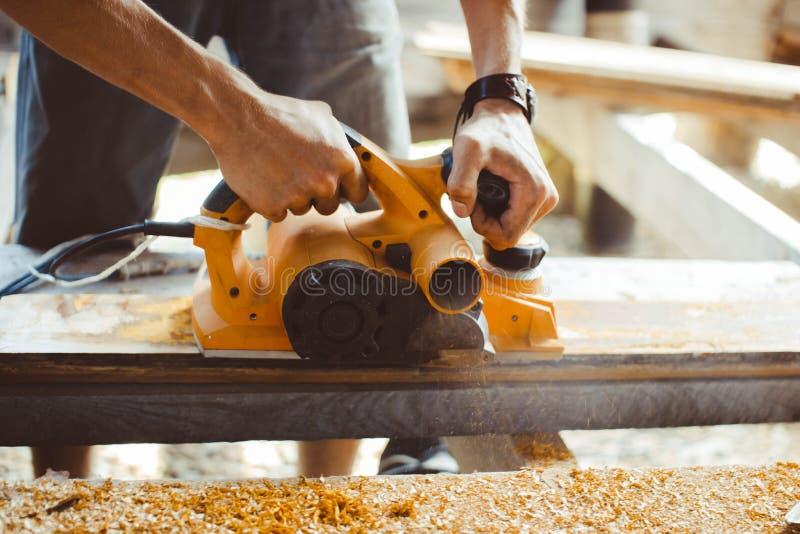 木材加工整平机 免版税库存图片