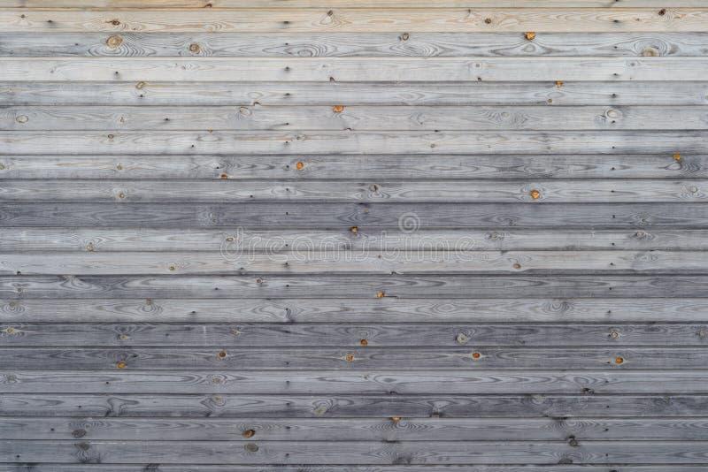 木板盾为房子或墙壁,美好的背景,木纹理敲了下来无 免版税库存图片