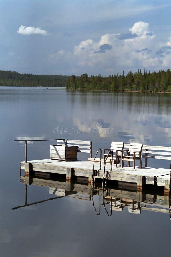 木桥梁的浮船 库存图片