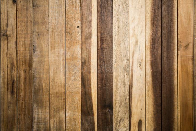 木棕色板条纹理背景 免版税库存照片