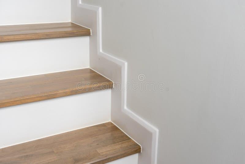 木楼梯室内装璜 免版税库存照片
