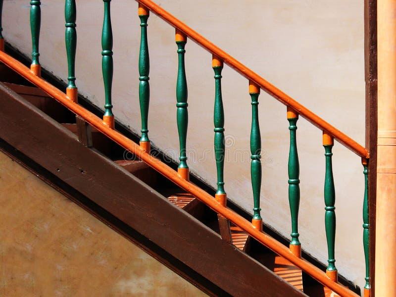木楼梯的葡萄酒 免版税库存照片