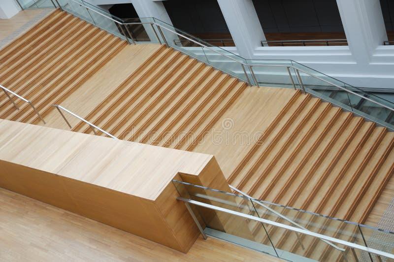 木楼梯飞行与没人的  免版税库存图片