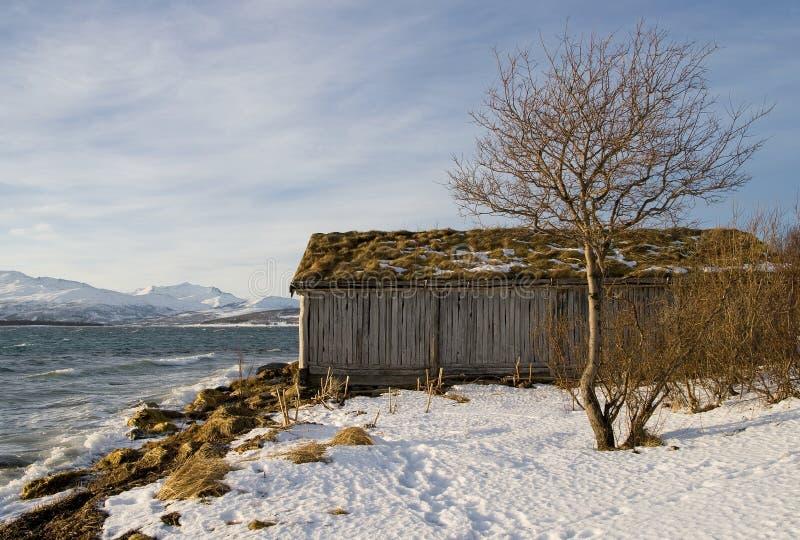 木海滨别墅老视图的冬天 免版税图库摄影