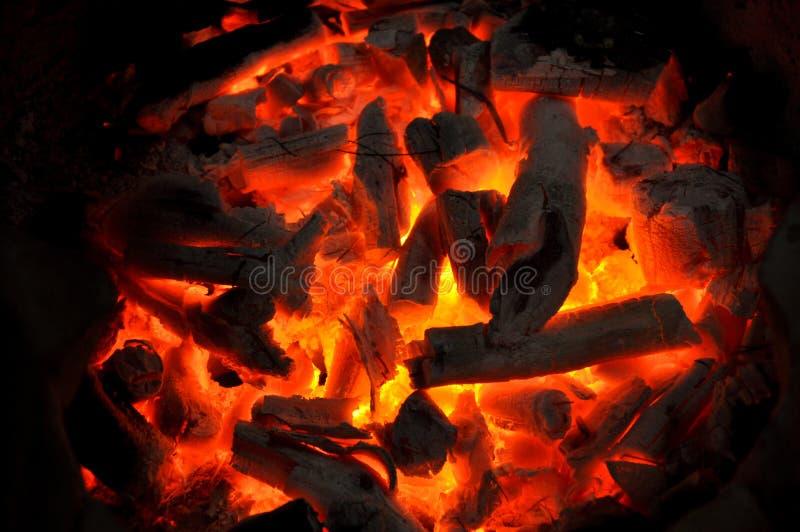 木炭燃烧 免版税库存照片