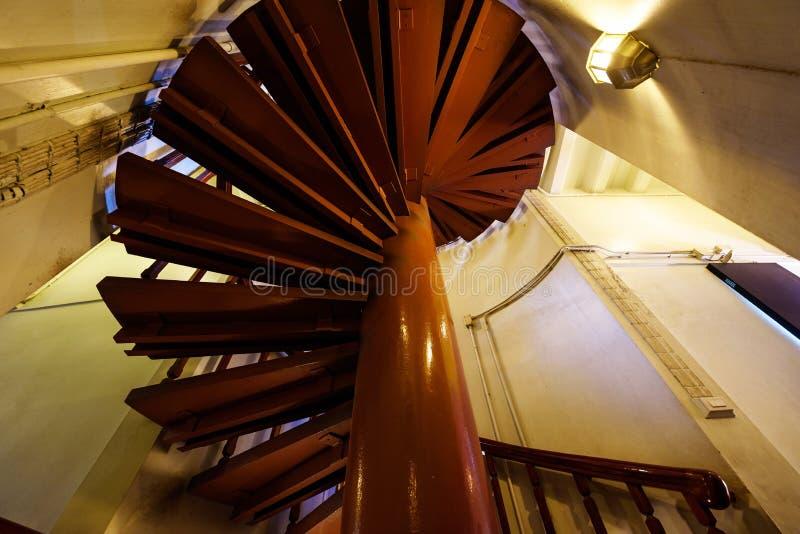 木的螺旋形楼梯 图库摄影