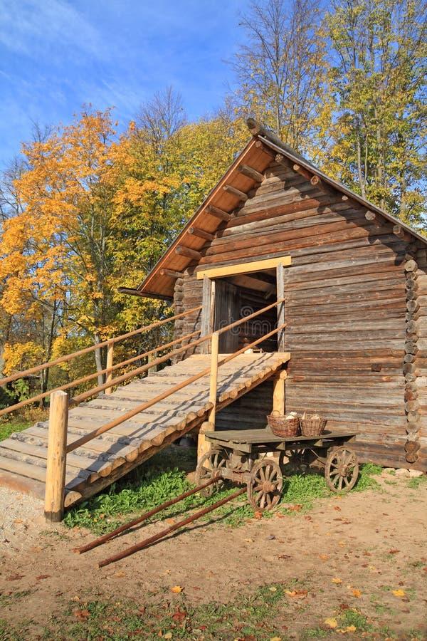 木的谷仓 免版税库存图片