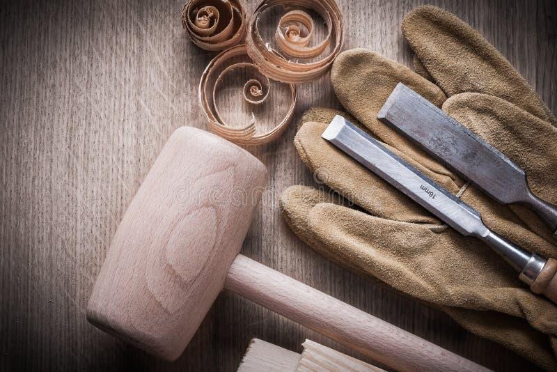 木砖锤击卷曲的计划的芯片冲击钻头地方教育局 免版税图库摄影