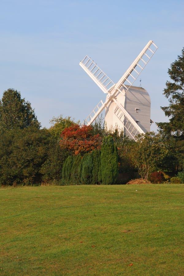 木空白的风车 图库摄影