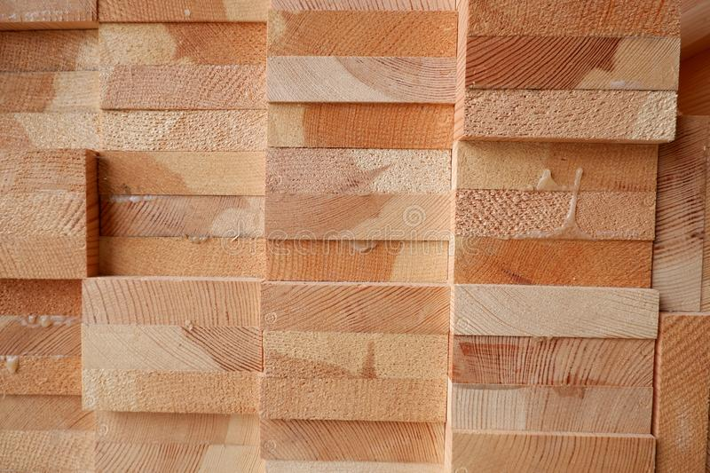 木窗口特写镜头的被胶合的杉木木材射线 免版税库存图片