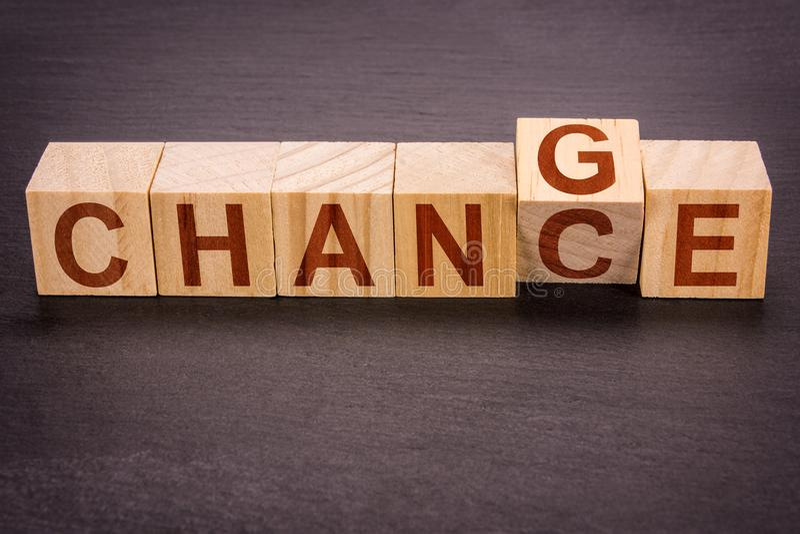 木立方体作为事业和财政概念或个人发展-变成机会 免版税库存图片
