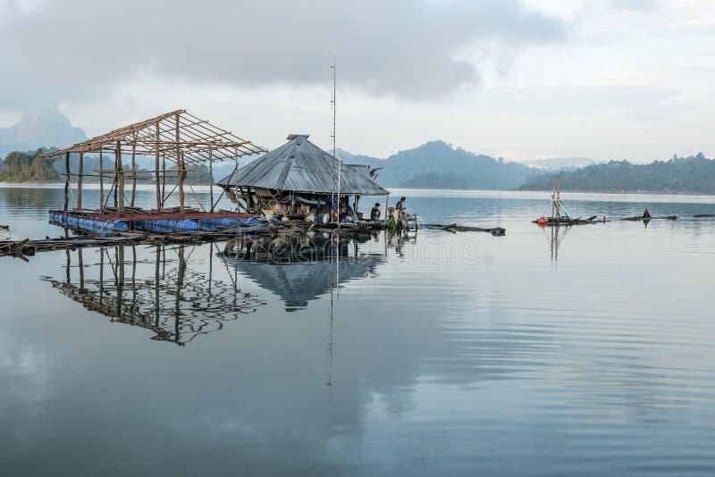 木筏的反射 库存图片