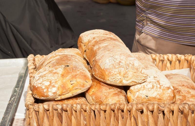 木篮子自创,新近地烘烤大面包面包 图库摄影