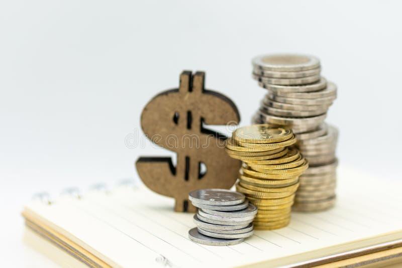 木美元的符号和硬币 图象用途待售,购买,贸易,成交,企业时间概念 免版税图库摄影