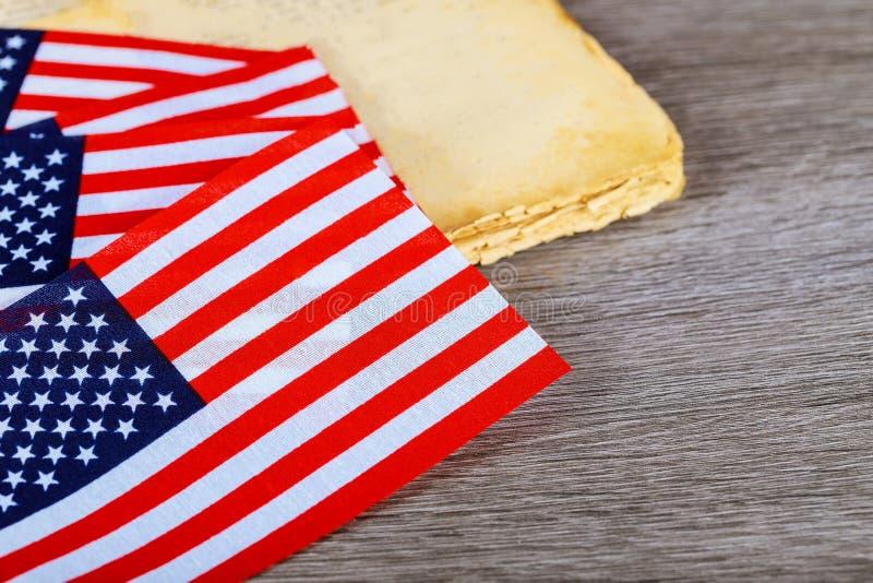 木美国背景的标志 美利坚合众国的旗子 地方做广告的,模板 库存图片