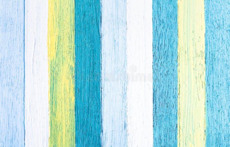 木背景-与柔和的淡色彩的木纹理绘了盘区 免版税图库摄影