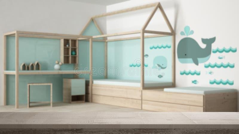 木葡萄酒台式或架子特写镜头,禅宗心情,在当代儿童卧室有单人床和书桌的,白色建筑学 免版税库存照片