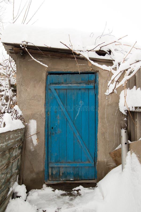 木蓝色的门 免版税库存照片