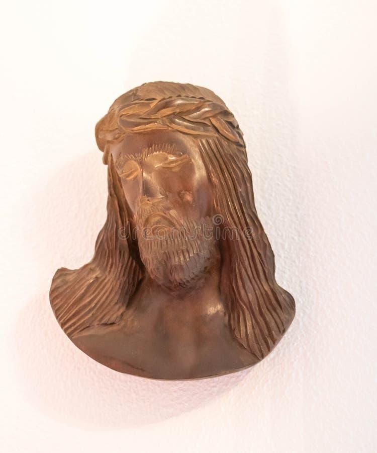 木雕象,耶稣基督头十字架的 免版税库存照片