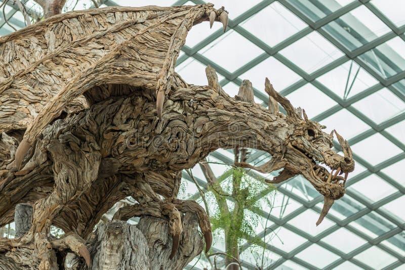 木龙雕塑在滨海湾公园,新加坡 免版税库存照片