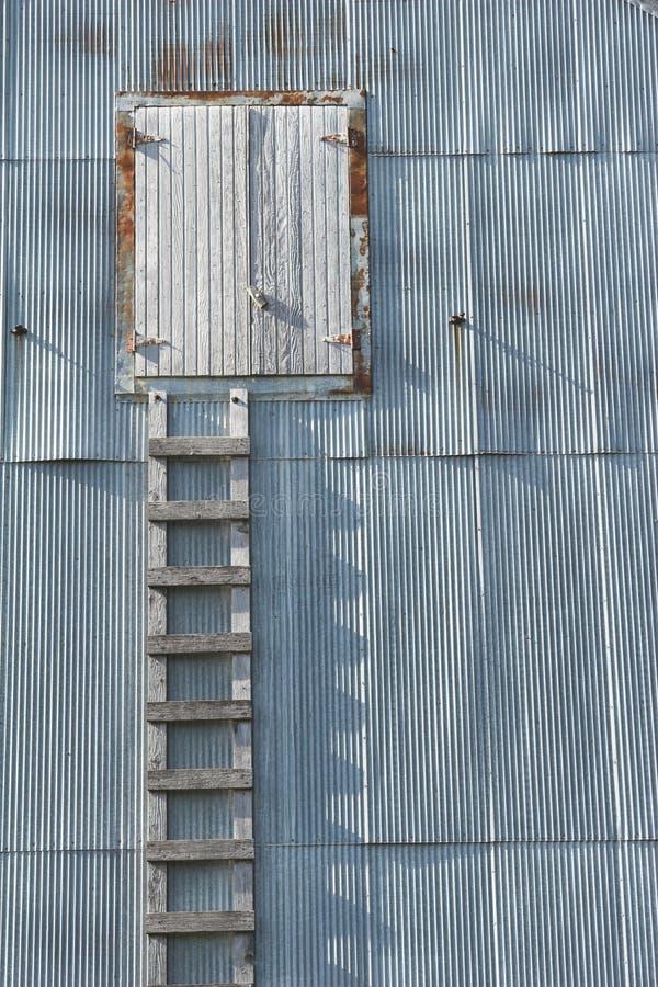 木grunge的梯子 库存照片