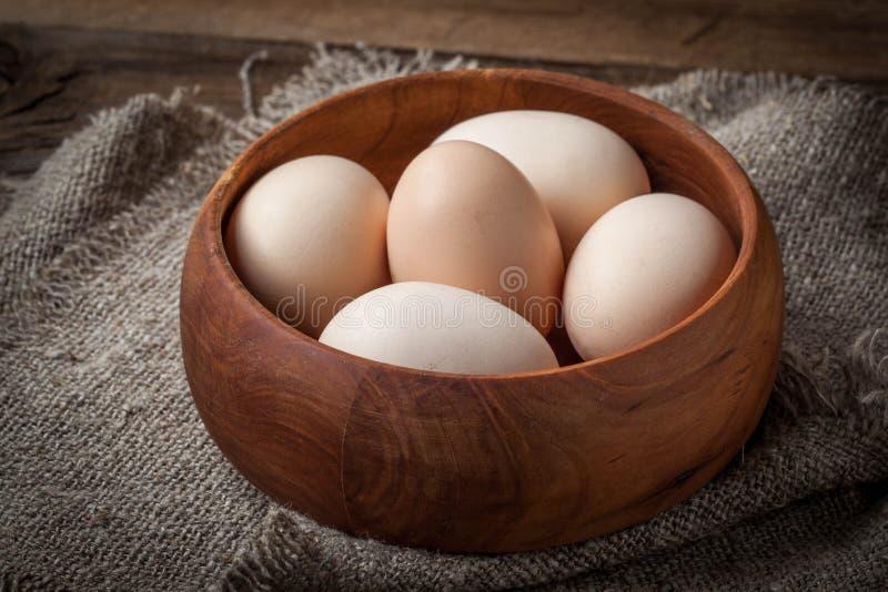 未加工的有机农厂鸡蛋 免版税库存照片