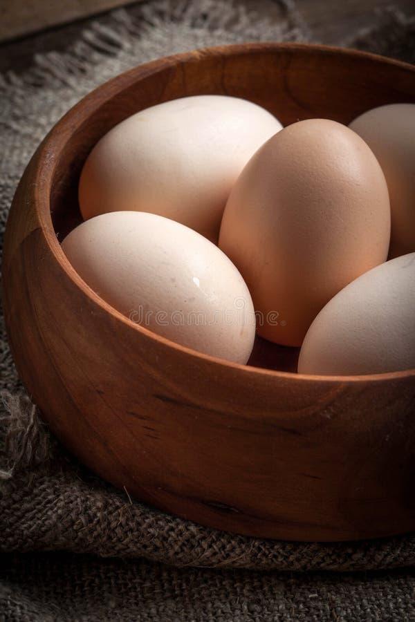 未加工的有机农厂鸡蛋 库存图片