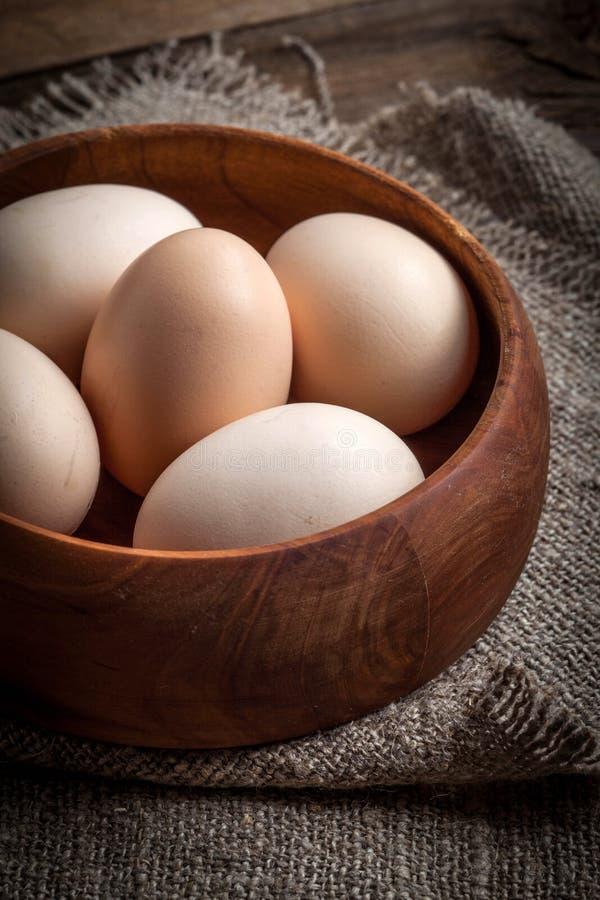 未加工的有机农厂鸡蛋 免版税库存图片