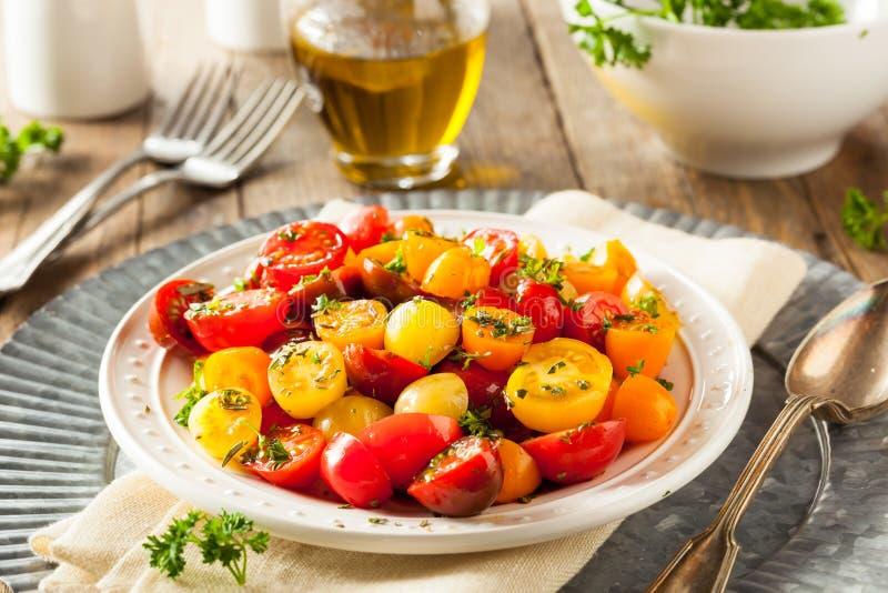 未加工的有机西红柿沙拉 库存图片