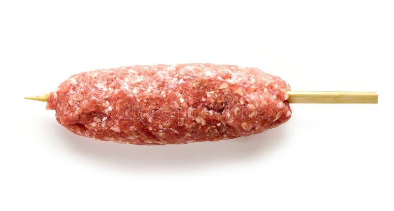 未加工的肉末串kebab 免版税库存图片