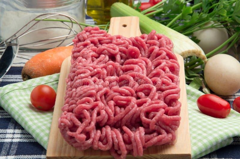 未加工的肉末-牛肉肉 免版税库存照片