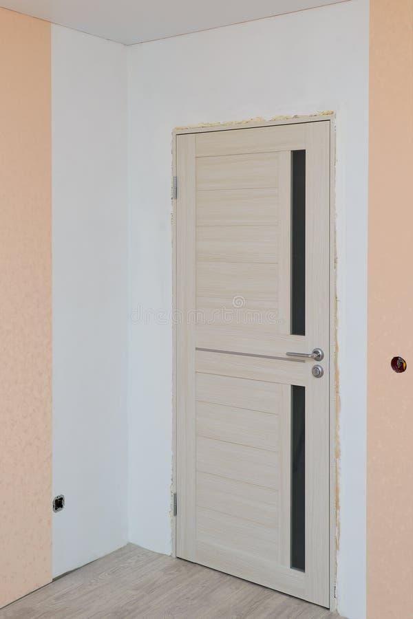 未完成的修理在客厅 免版税库存照片