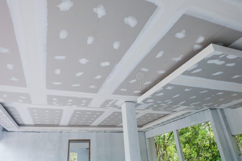 未完成的房子天花板 免版税库存照片