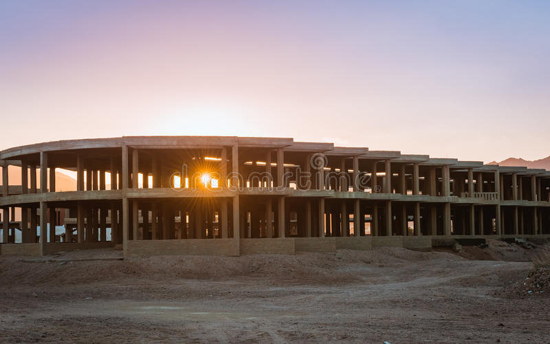 未完成的手段大厦,放弃在埃及 库存照片