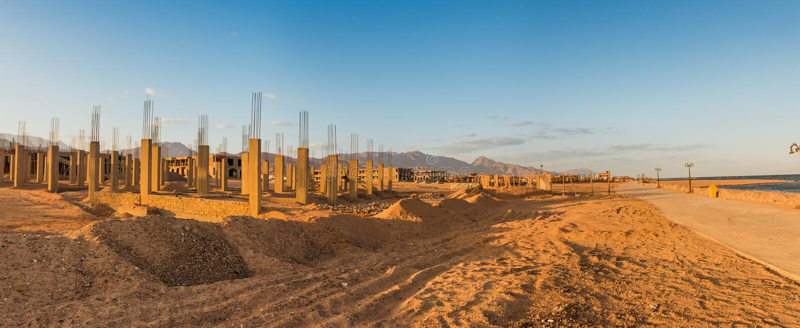 未完成的手段大厦,放弃在埃及 免版税库存图片