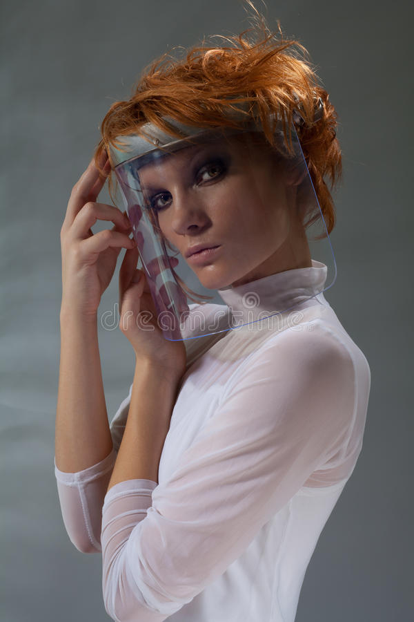 未来派玻璃屏蔽妇女 库存图片