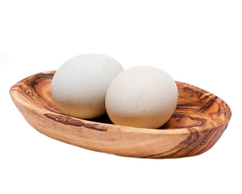 未洗的新鲜的有机gmo和大豆自由牧场地培养了鸡蛋温暖的舒适冬天手套 库存图片