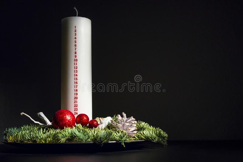 未点燃的圣诞节装饰-计数下来对光检查 库存照片
