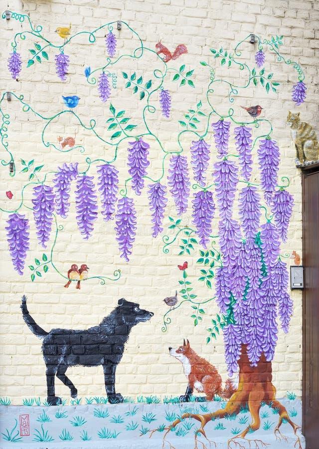 未知的作者创造的街道画在布鲁塞尔 免版税库存图片