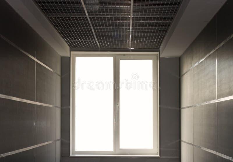 末端轻的隧道视窗 免版税库存照片