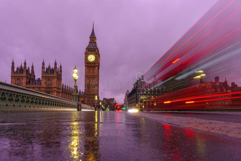 Download 本大伦敦晚上 库存照片. 图片 包括有 纪念碑, 重婚, 资本, 黄昏, 地标, 著名, 欧洲, 国际, 刺毛 - 72370408
