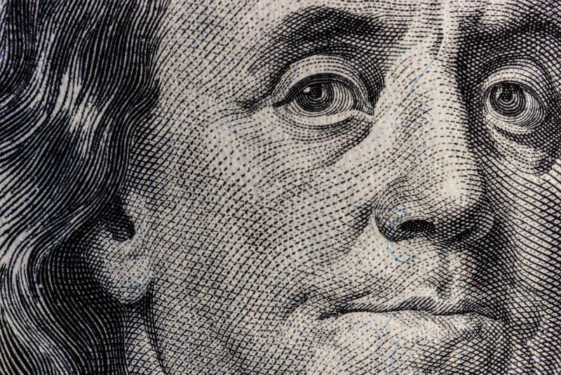 本富兰克林特写镜头一百元钞票的背景的IV 免版税库存照片
