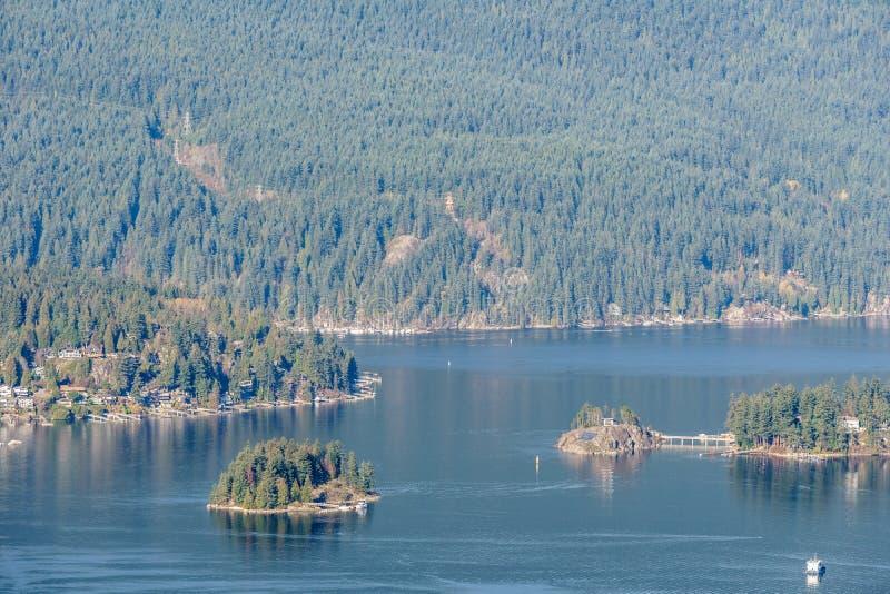 本那比,加拿大- 2018年11月17日:对西摩尔山的看法从本那比山公园 免版税库存照片