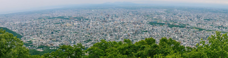 札幌市全景美好的风景视图从Moiwa山,北海道,日本观点  库存照片