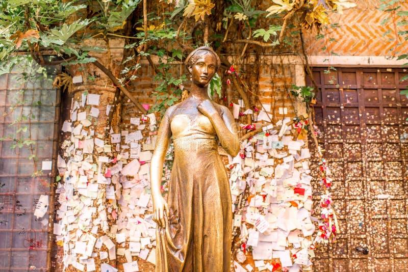 朱丽叶雕象在维罗纳市 免版税库存照片