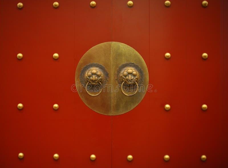 朱红色的门 库存图片