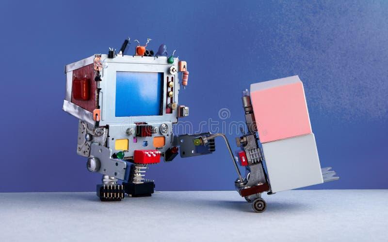 机器人后勤送货业务概念 有供给动力的板台起重器的机器人移动的容器 铲车推车机制和 库存照片