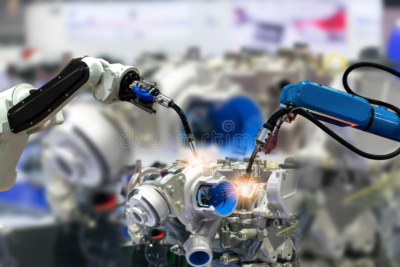 机器人胳膊引擎生产工业4 0事技术使用 免版税库存照片