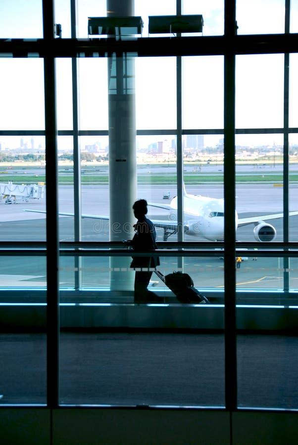 机场妇女 免版税库存照片